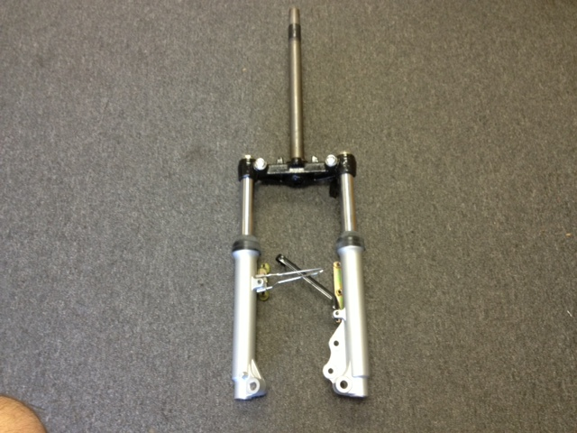 Fork with Front Shock Absorbers-2663
